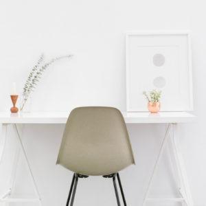 Boek recensie Opgeruimd! van Marie Kondo. Ideaal voor in een detox kuur, detox je huis en kies voor minimalisme.