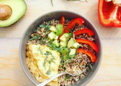 Detox Lunch voor onderweg? Probeer deze meeneemlunch met quinoa omelet en avocado