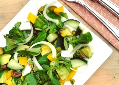 Detox recept: Zomer salade met mango feta en avocado