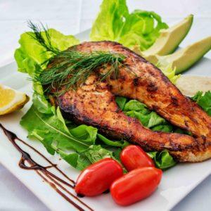 Uit eten tijdens een detox kuur, afvallen of dieet? Hierbij 5 tips!