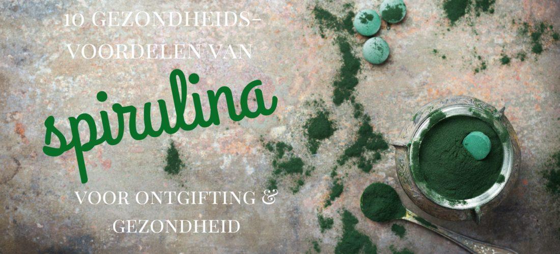 10 gezondheidsvoordelen van Spirulina. Lekker in je groene detox smoothie. Ontgiftend, voedend en vol gezonde voedingsstoffen in je detox kuur